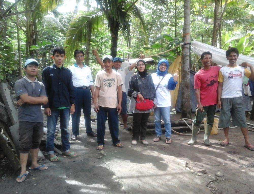 Kegiatan Pengolahan Kotoran Sapi Menjadi Pupuk dan Biogas